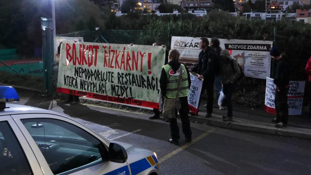 protest MSS a Solis před Řízkárnou_26.9.2014_a
