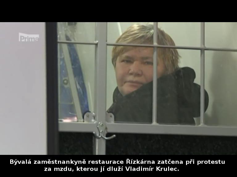 Bývalá zaměstnankyně restaurace Řízkárna zatčena při protestu v Řízkárně