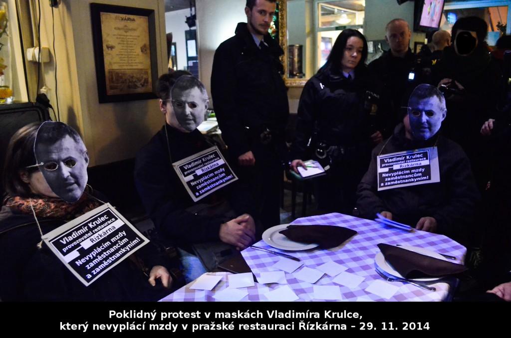 Protest-v-maskách-Vladimíra-Krulce-který-nevyplácí-mzdy-v-pražské-restauraci-Řízkárna-–-29.-11.-2014-1024x678
