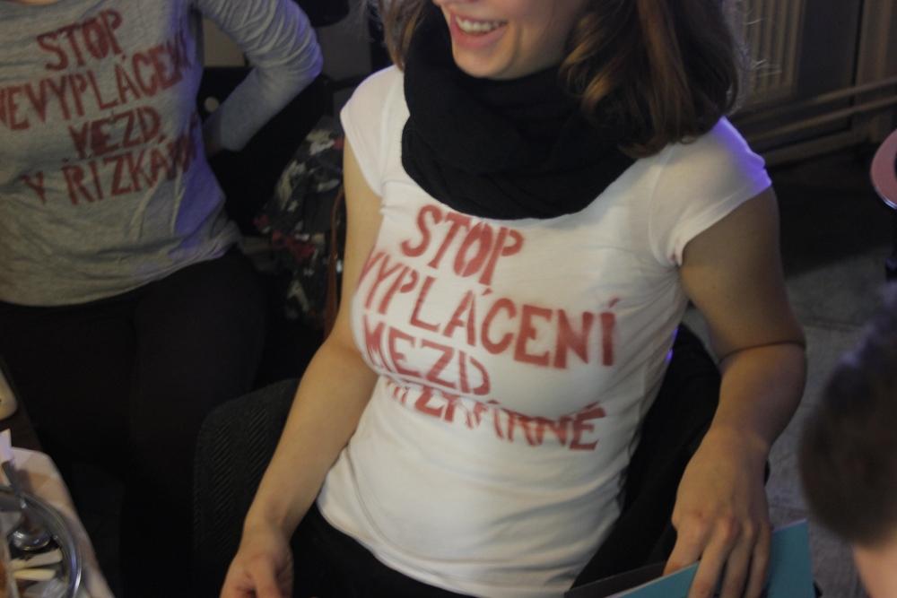 protest v tričkách v restauraci Řízkárna_12